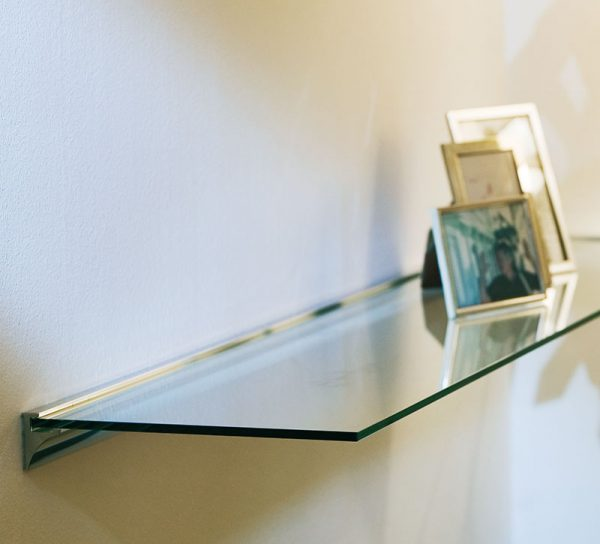 glasboden-regal-wand-modern-klar