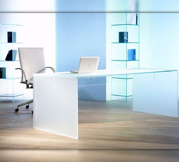 schreibtisch-glas-milchglas-modern-buero