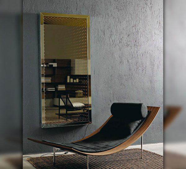 spiegel-glas-flur-wohnzimmer-licht-led-beleuchtet-schlafzimmer