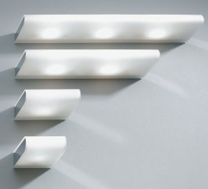 wandlampe-roehre-led-halogen-beleuchtung-licht-hausbau