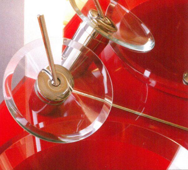 waschbecken-glas-rot-wasserhahn-bad