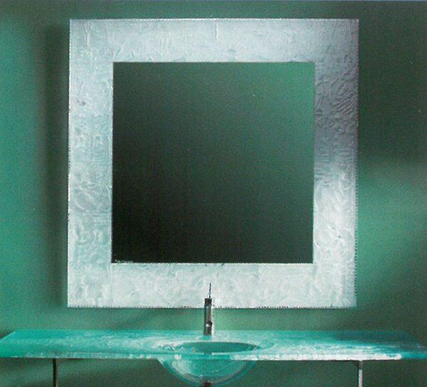 waschbecken-glas-tuerkis-cyan-bad-spiegel